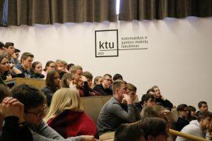 Tradicinis respublikinis prof. K. Baršausko fizikos konkursas vėl pritraukė moksleivių iš visos Lietuvos (uždavinių sprendimai)