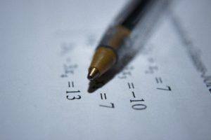 Matematikos žinios dugne, mokyklose – tragiška padėtis: net 300 eurų stipendijos abiturientų nesuviliojo